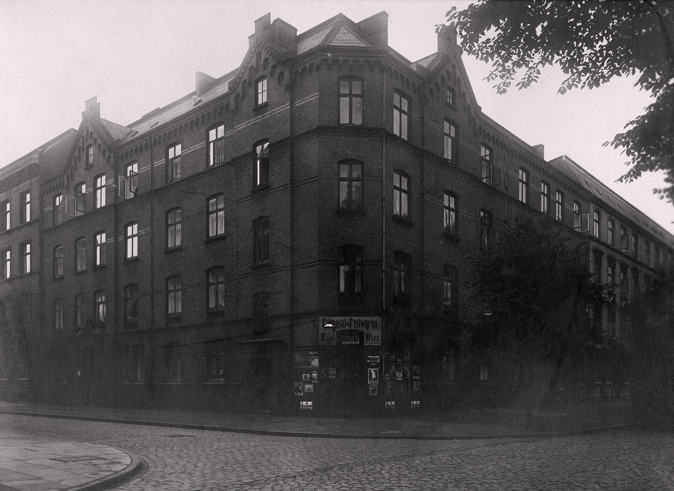 Das erste Haus der altoba am Zeiseweg (1893)