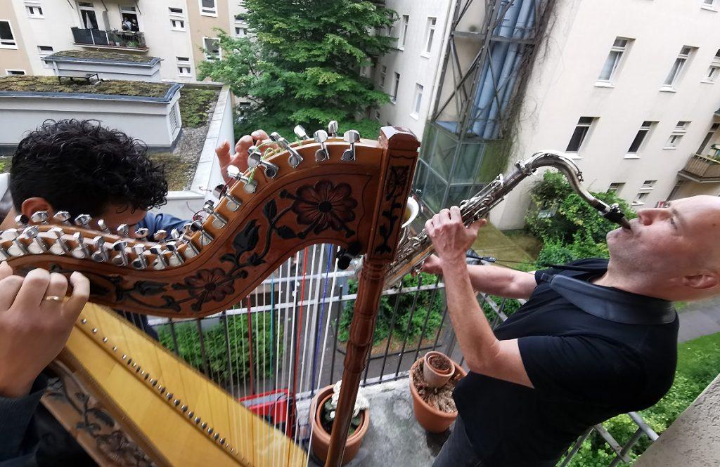 Balkonkonzert für alle im Bestand der altoba