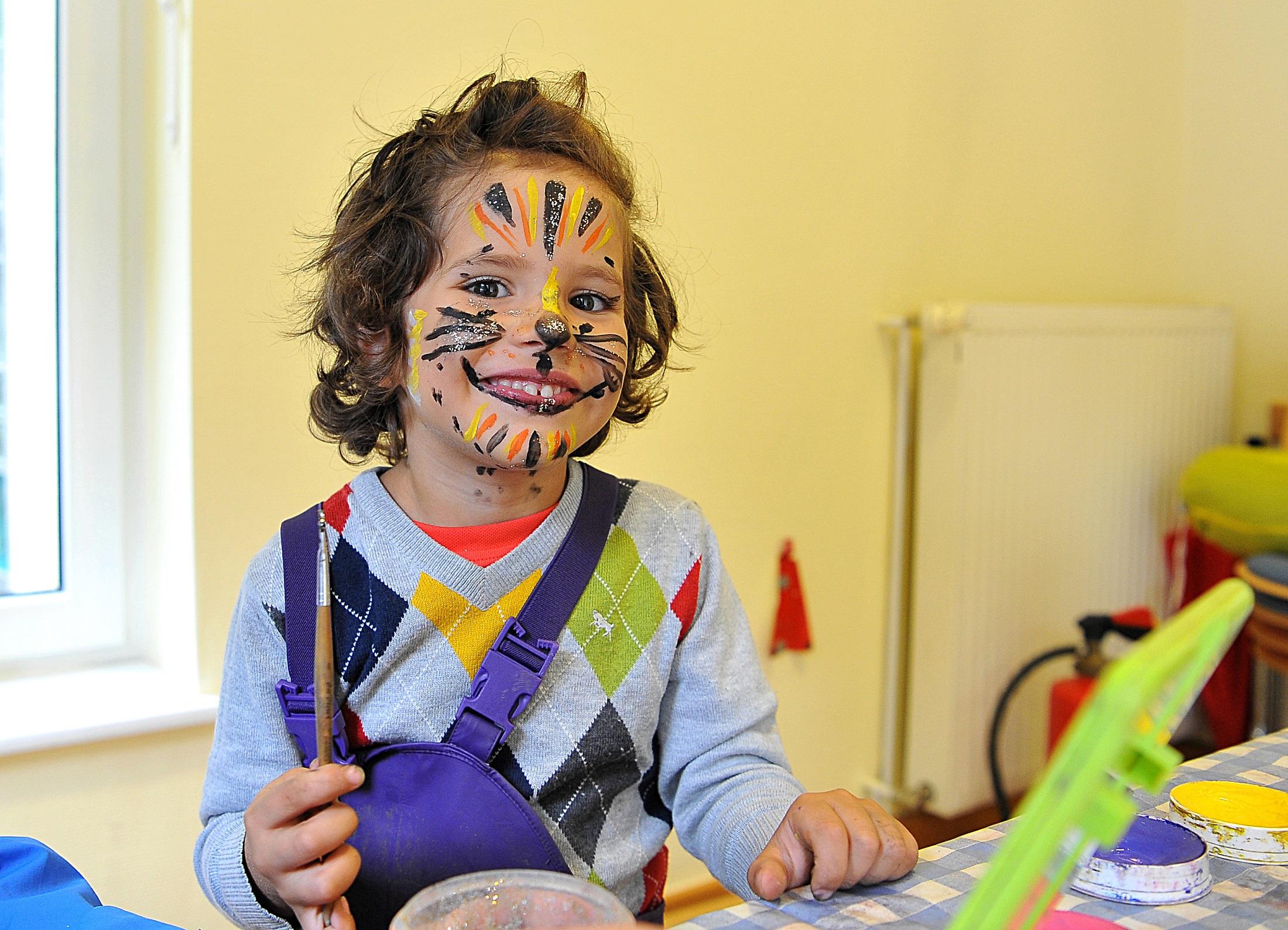 Kinderschminken: Bei den altoba-Festen kommen auch die Kleinen voll auf ihre Kosten