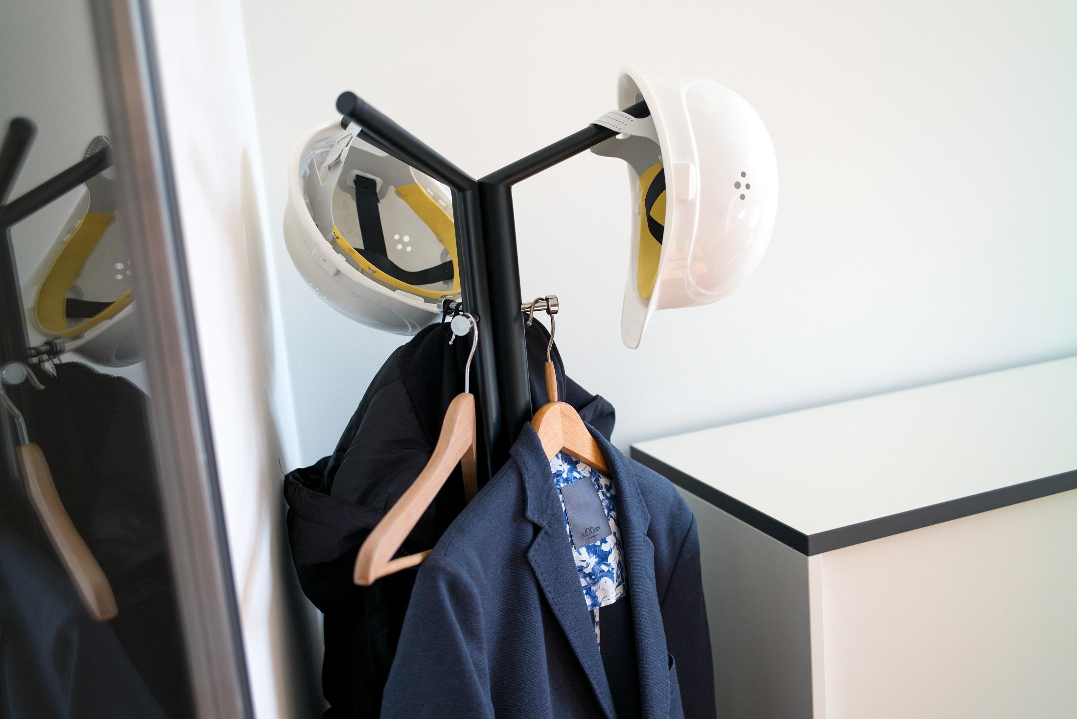 Helme für den Baustellenbesuch