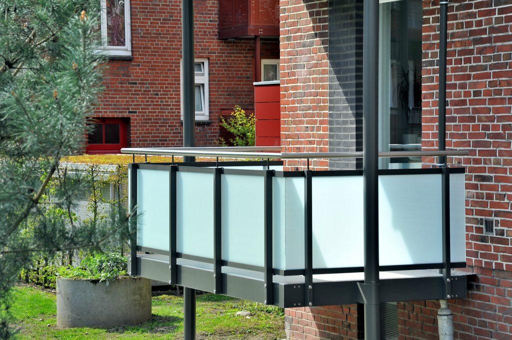 Neue Balkone im Röhrigblock