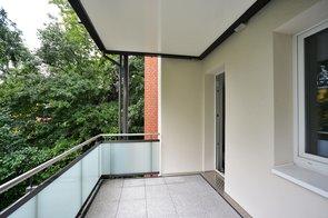 Großzügige Balkone nach der Sanierung im Immenbusch/Glückstädter Weg