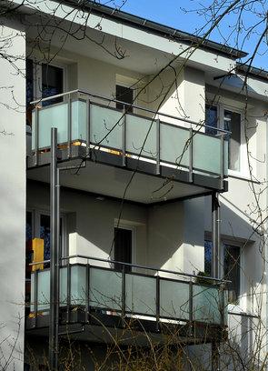 Neue Balkone im Immenbusch/Glückstädter Weg
